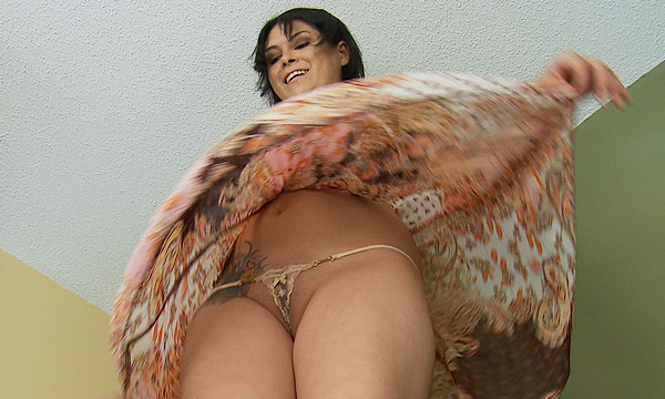 Windblown upskirt of Amo Morbia reveals her micro thong