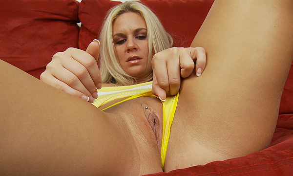 Angel Lee pulls her panties to the side
