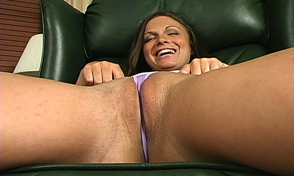 Jordan Bentley wedges her micro thong for a cameltoe shot