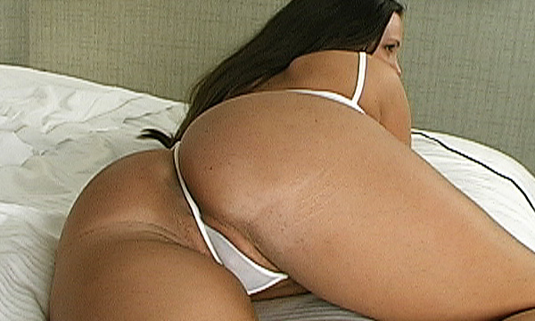 Jordan Bentley shows off her micro thong from behind