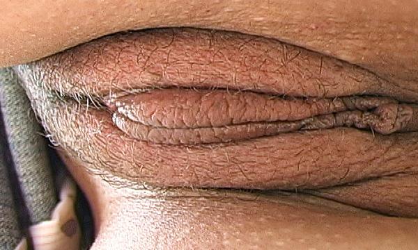 Pantyless upskirt pussy crotch shot of Kalani Breeze